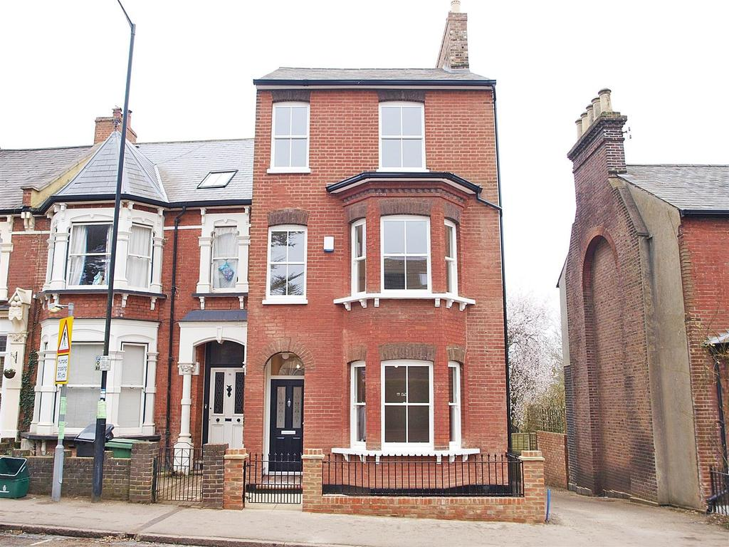 4 Bedrooms Semi Detached House for sale in Verulam Road, St Albans