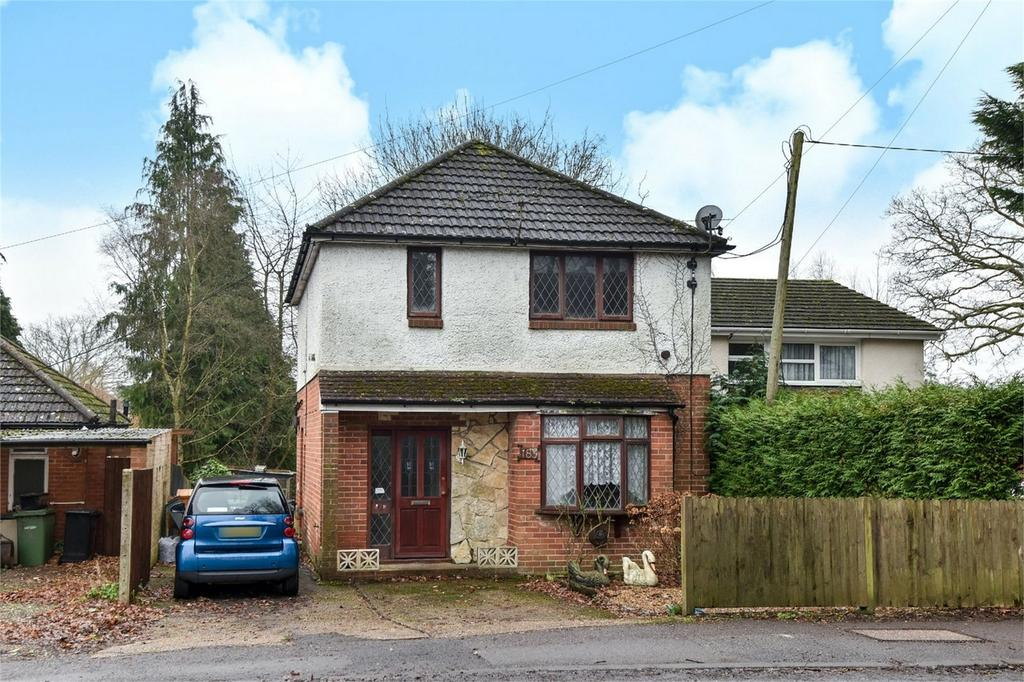 3 Bedrooms Detached House for sale in Hursley Road, Chandler's Ford, Hampshire