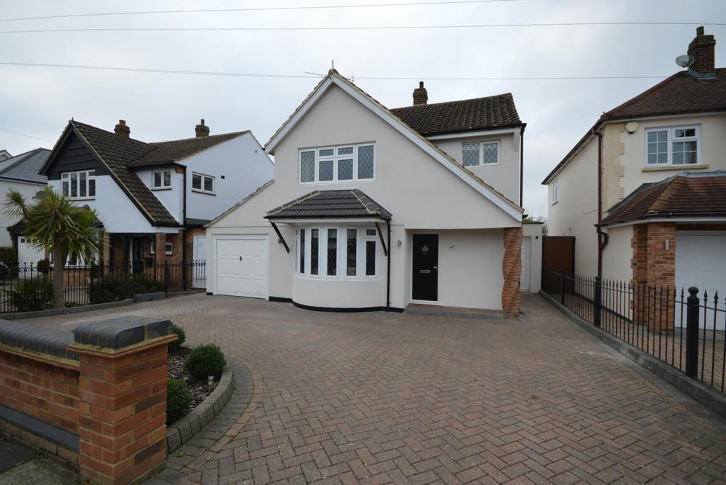 4 Bedrooms Detached House for sale in Great Nelmes Chase, Hornchurch, Essex, RM11