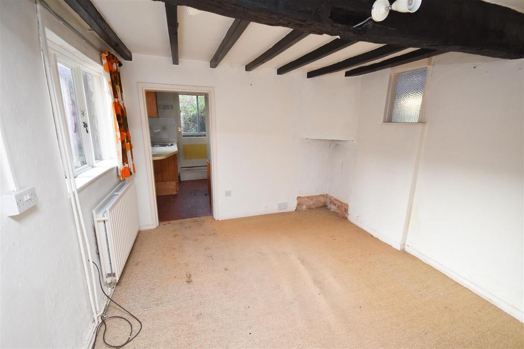 4 Bedrooms Cottage House for sale in Main Street, Keyworth, Nottingham