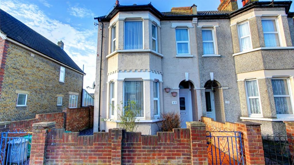 3 Bedrooms Semi Detached House for sale in Mosslea Road, Bromley, Kent