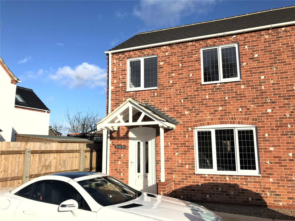 3 Bedrooms Semi Detached House for rent in Station Road, Swineshead, PE20