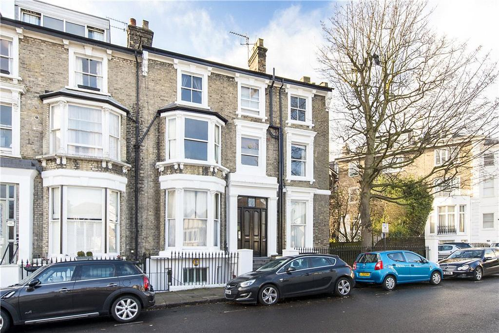 3 Bedrooms Flat for sale in Primrose Gardens, London, NW3