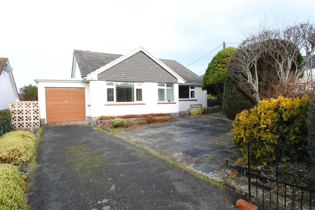 3 Bedrooms Detached Bungalow for sale in Marlborough Close, Ilfracombe