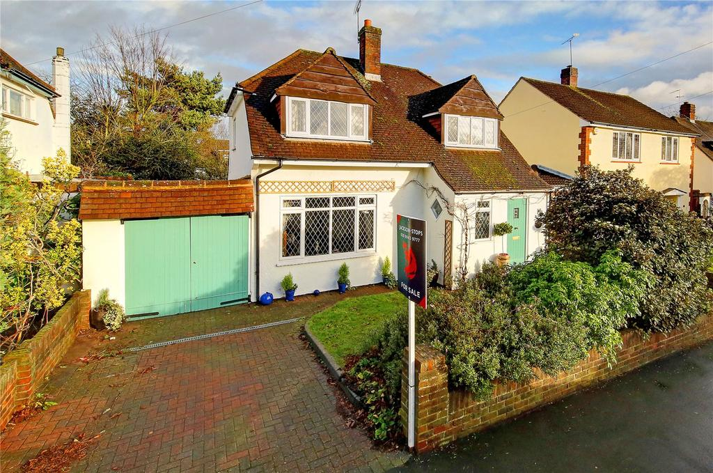 3 Bedrooms Detached House for sale in Green Street, Sunbury-on-Thames, TW16