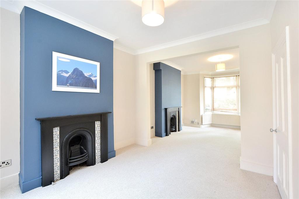 3 Bedrooms Terraced House for rent in Westcombe Hill, London
