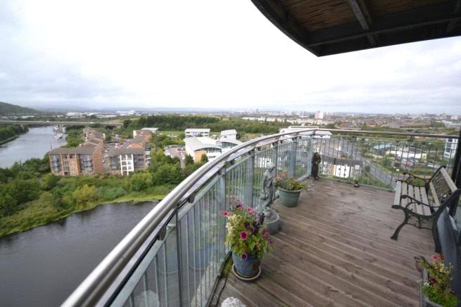 3 Bedrooms Apartment Flat for rent in Roma, Victoria Wharf, Watkiss Way, Cardiff, CF11