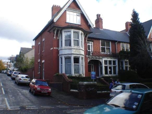 4 Bedrooms Apartment Flat for rent in Ty Draw Road, Penylan, Cardiff, Caerdydd, CF23