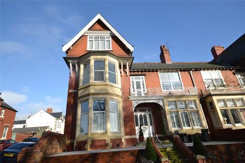 3 bedroom apartment to rent - Ty Draw Road, Penylan, Cardiff, Caerdydd, CF23