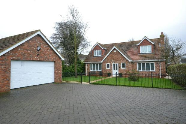 4 Bedrooms Detached House for sale in Pretymen Crescent, New Waltham, Grimsby