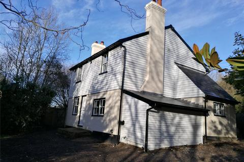 4 bedroom detached house to rent - Lamberhurst Quarter, Lamberhurst, Tunbridge Wells, Kent, TN3