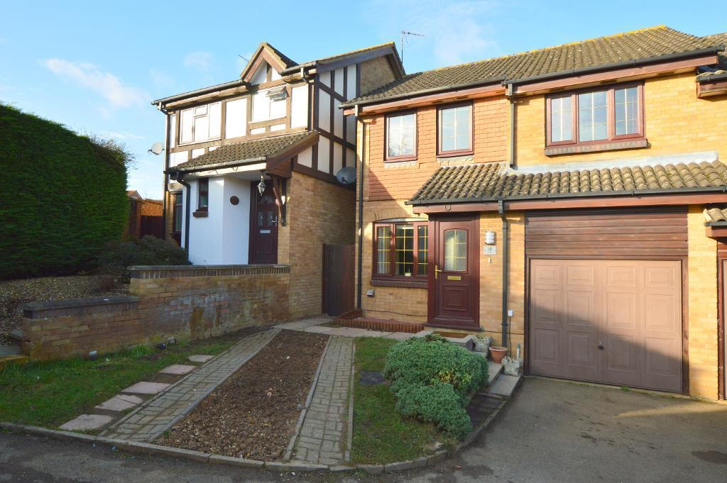 3 Bedrooms Semi Detached House for sale in Reedsdale, Wigmore, Luton, LU2 9TG