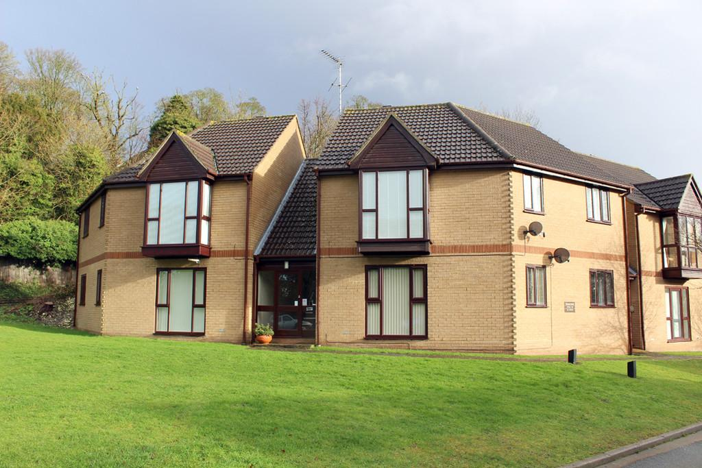 1 Bedroom Ground Flat for sale in Victory Court, Grange Bottom, Royston