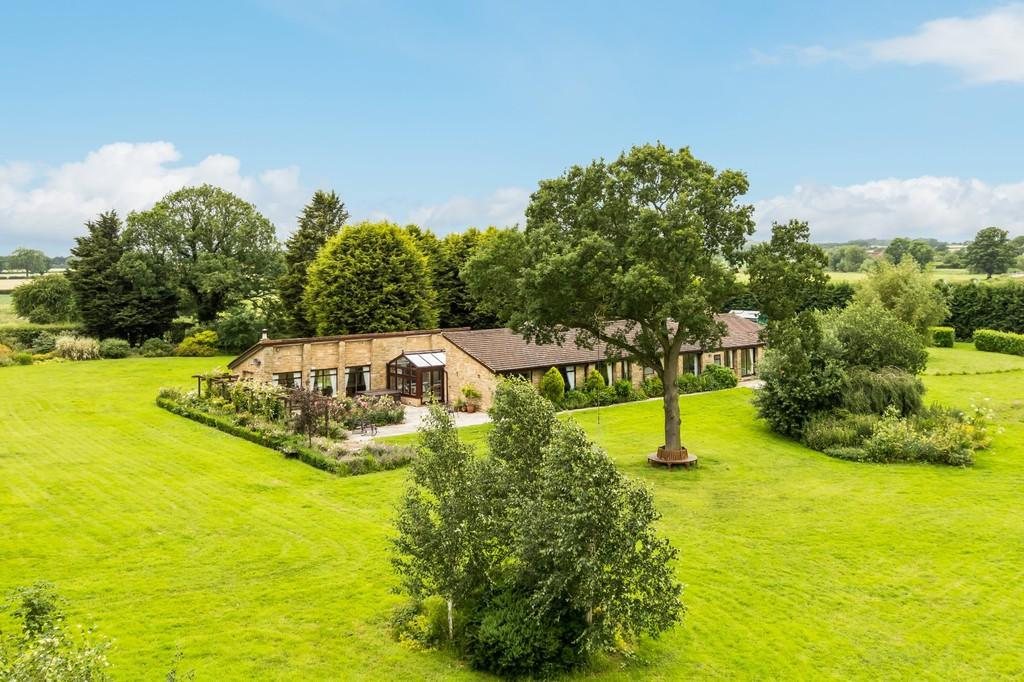 5 Bedrooms Detached Bungalow for sale in Cattal Road, Tockwith, York, Norh Yorkshire, YO26
