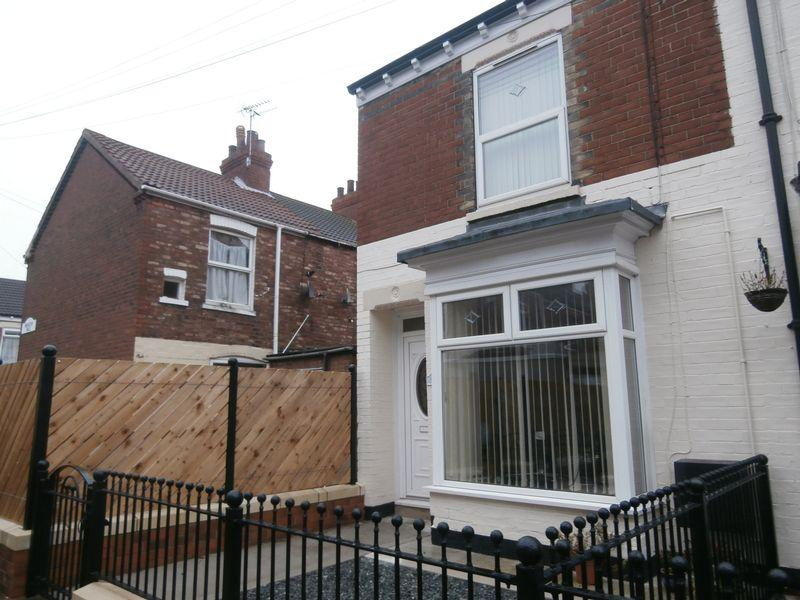 2 Bedrooms Terraced House for sale in Meadow Vale, Hull