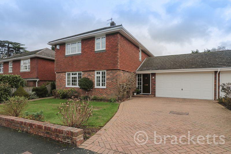 4 Bedrooms Detached House for sale in College Drive, Tunbridge Wells