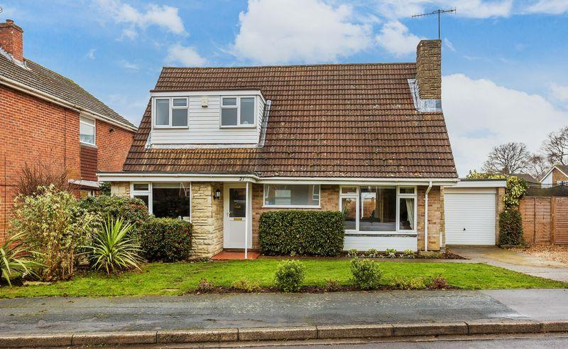 3 Bedrooms Detached House for sale in Boxgrove