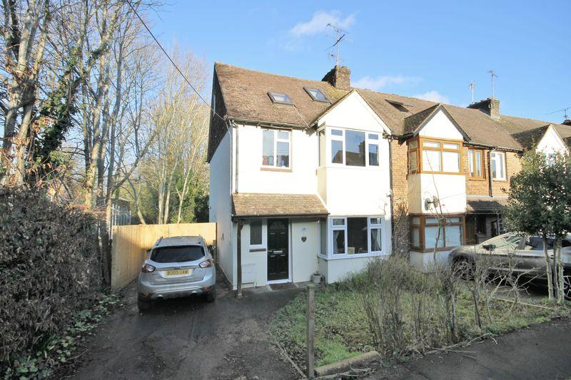 5 Bedrooms End Of Terrace House for sale in Gordon Road, Burgess Hill, West Sussex.