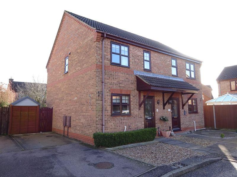 2 Bedrooms Semi Detached House for sale in Trimming Walk, Taverham, Norwich
