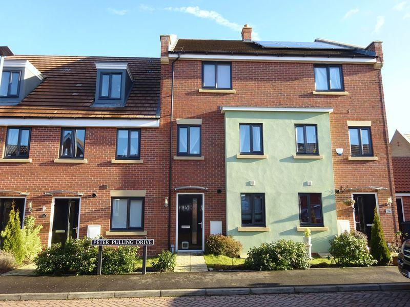 4 Bedrooms Town House for sale in Peter Pulling Drive, Costessey, Norwich