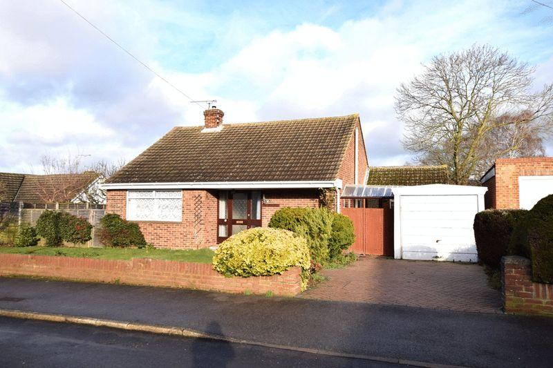 2 Bedrooms Bungalow for sale in Boxley Close, Maidstone