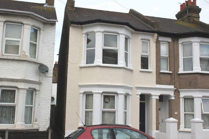 1 Bedroom Flat for sale in Burnaby Road, Southend-On-Sea