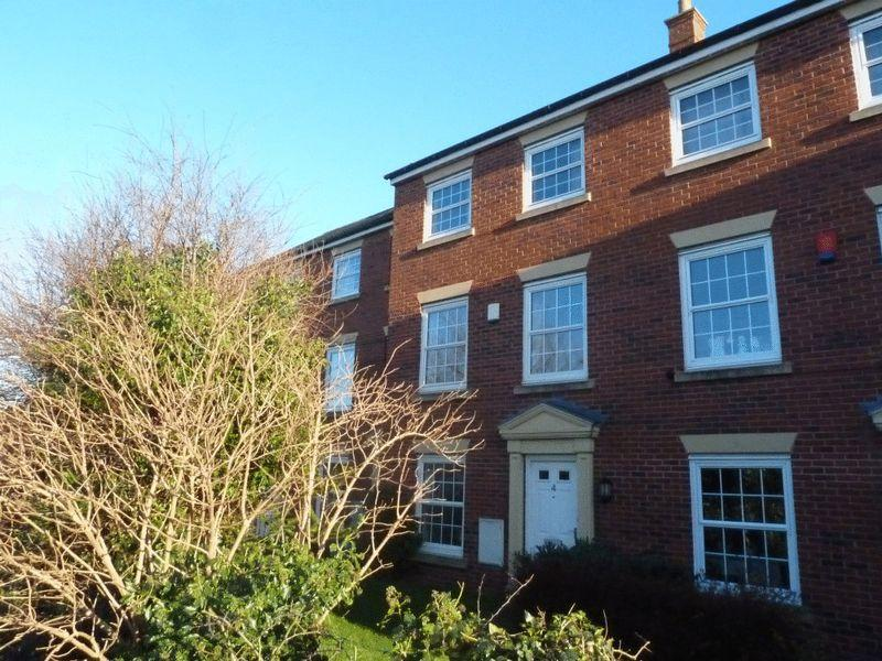 3 Bedrooms Terraced House for sale in Carter Close, Nantwich