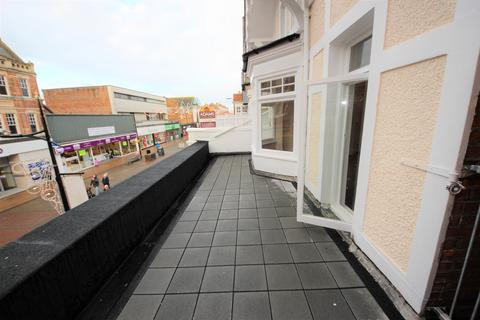 2 bedroom flat to rent - Christchurch Road, Boscombe, Bournemouth