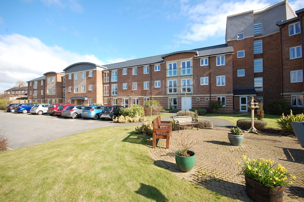 2 Bedrooms Apartment Flat for sale in Malpas Court, Northallerton