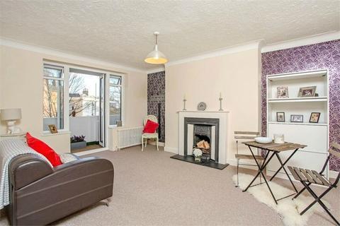 2 bedroom flat to rent - Furze Hill, Hove, BN3