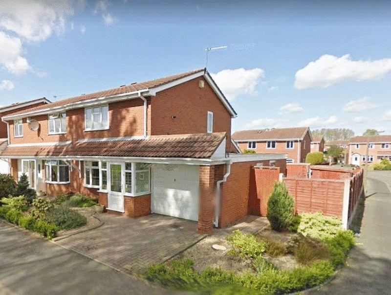 3 Bedrooms Semi Detached House for sale in Gorey Close, Coppice Farm, Willenhall