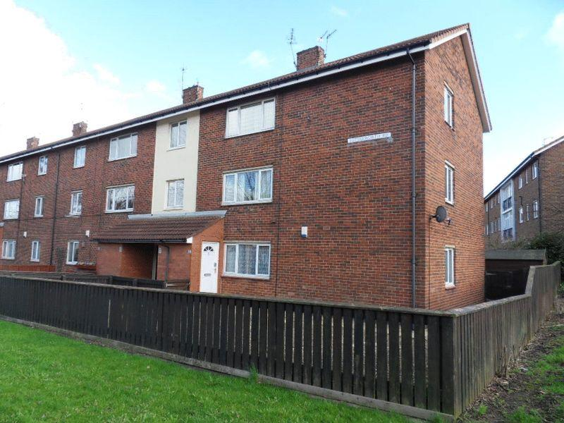 2 Bedrooms Apartment Flat for sale in Lutterworth Road, Longbenton