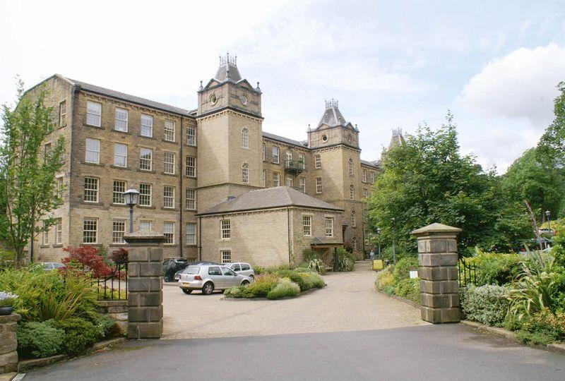 2 Bedrooms Apartment Flat for sale in 3 Colne, Barkisland Mill, Beestonley Lane, Barkisland, HX4 0HQ