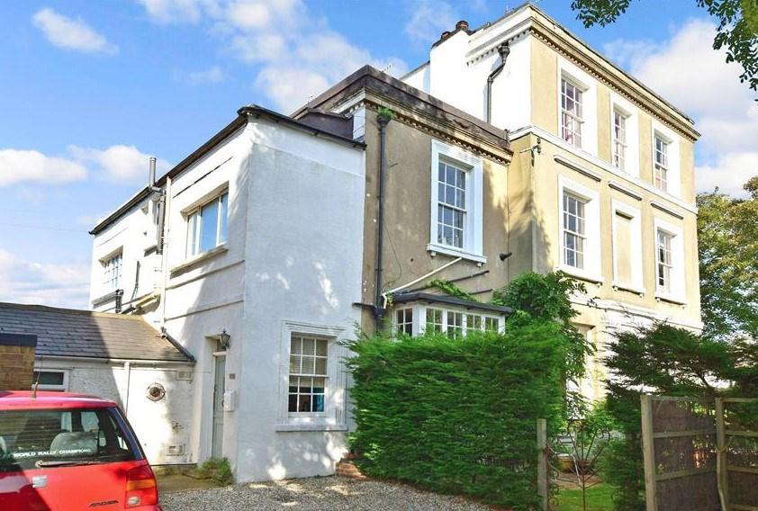 4 Bedrooms Semi Detached House for sale in Southdown Road, Shoreham-by-Sea, BN43