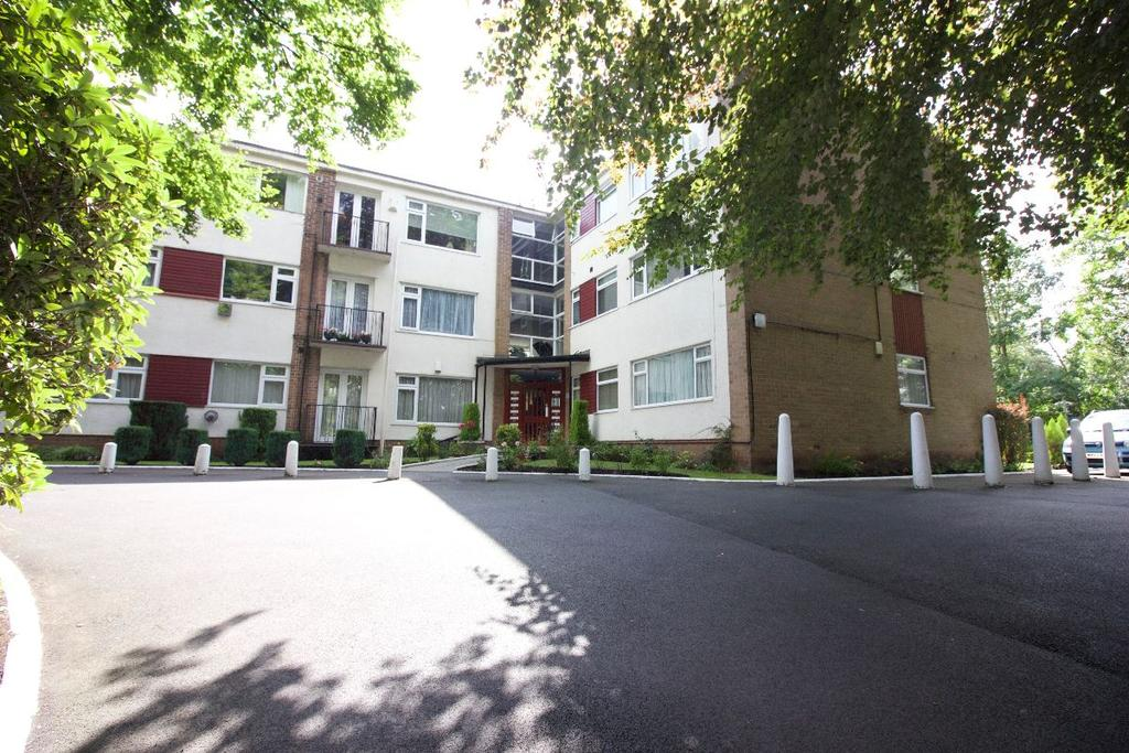 2 Bedrooms Flat for sale in Park Lane Court