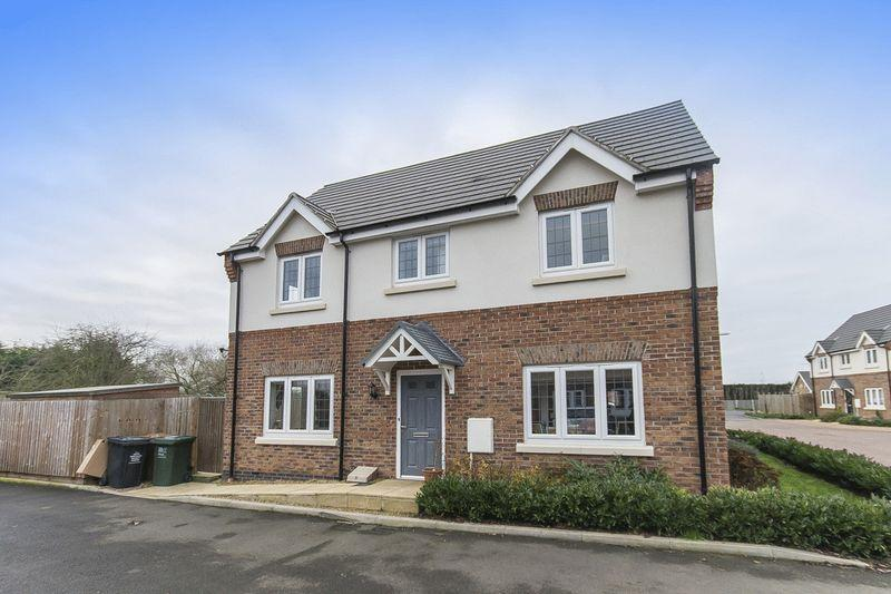 3 Bedrooms Semi Detached House for sale in Clayton Gardens, Hatton