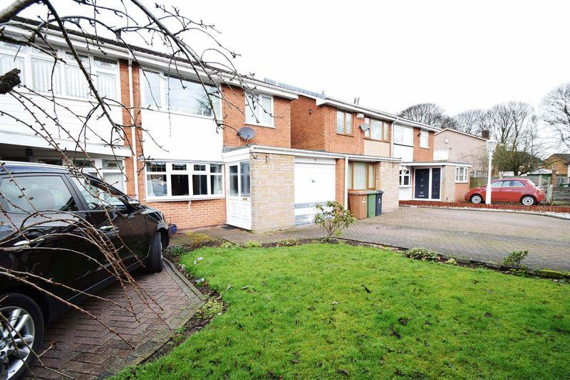 3 Bedrooms Semi Detached House for sale in St Johns Close, Walsall Wood