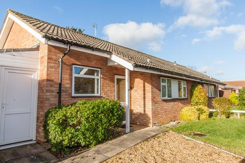 2 bedroom semi-detached bungalow to rent - Kentings, Comberton