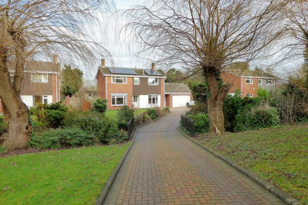 4 Bedrooms Detached House for sale in Cherry Leys, Burton-on-Trent