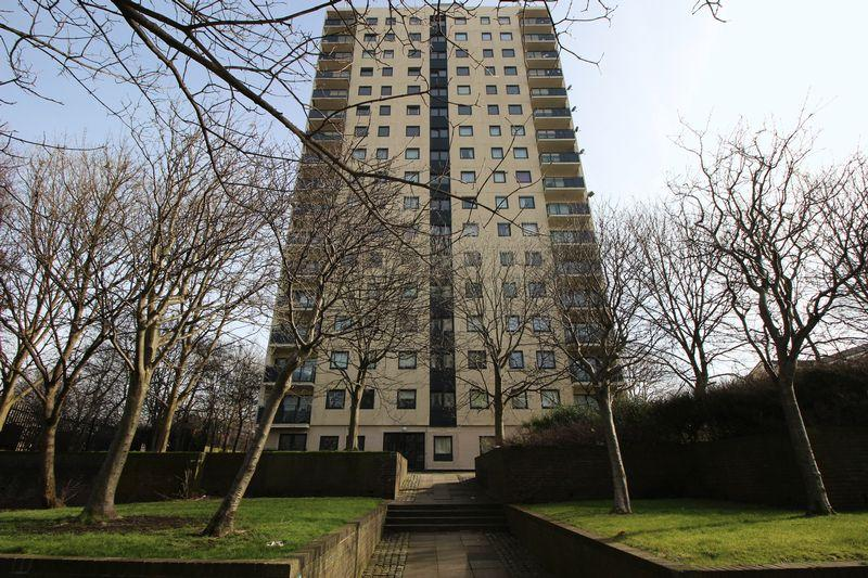 3 Bedrooms Apartment Flat for rent in Candia Towers, Jason Street, Liverpool, L5 5EA