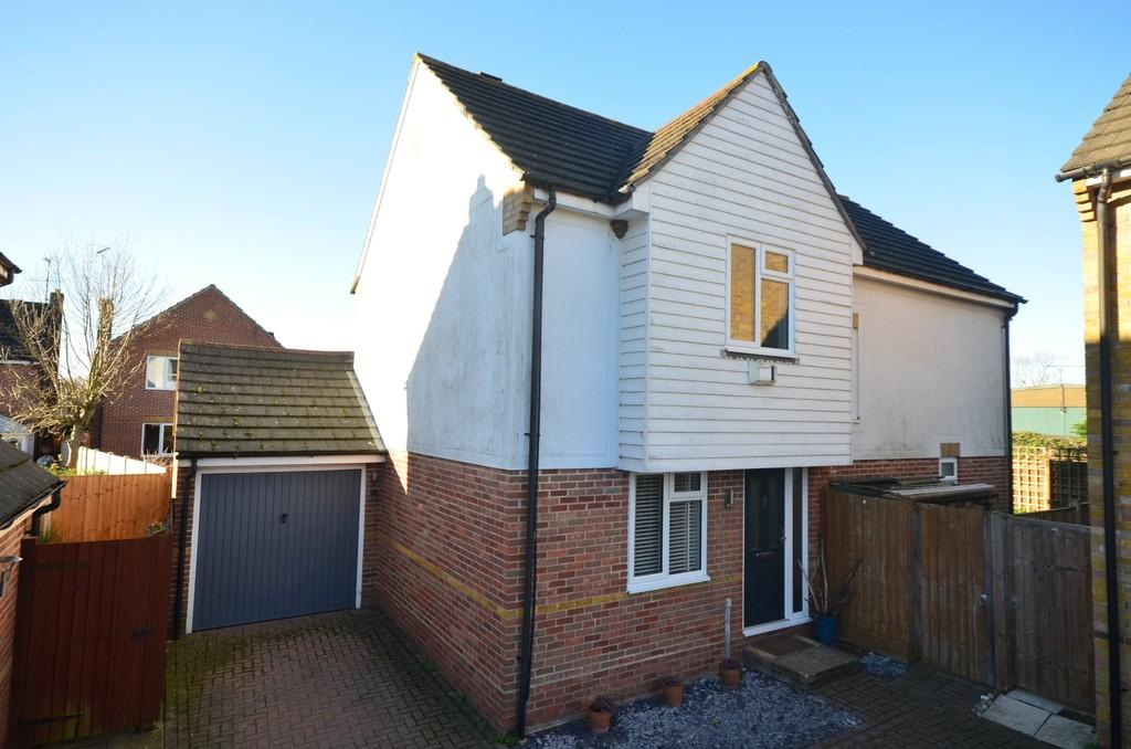 4 Bedrooms Detached House for sale in Gadwall Reach, Kelvedon, CO5 9PR