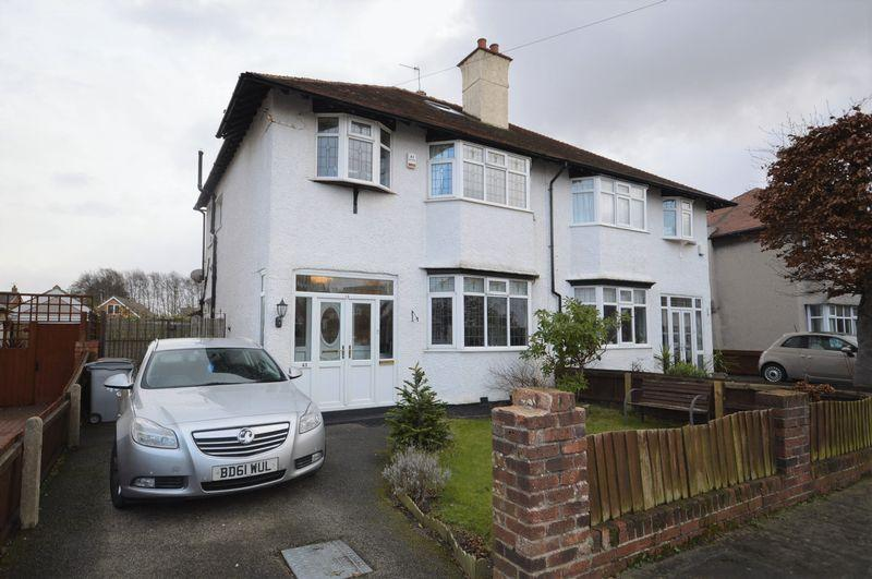 3 Bedrooms Semi Detached House for sale in Queens Avenue, Meols