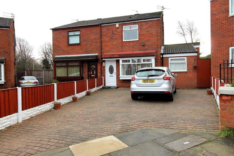 3 Bedrooms Semi Detached House for sale in Glaslyn Way, Liverpool