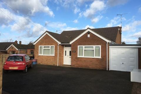 3 bedroom detached bungalow to rent - Norton