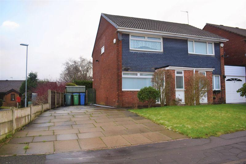 2 Bedrooms Semi Detached House for sale in Derby Street, Heywood