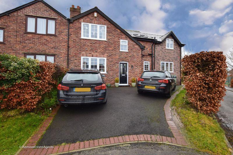 4 Bedrooms Semi Detached House for sale in Manor Road, Lymm