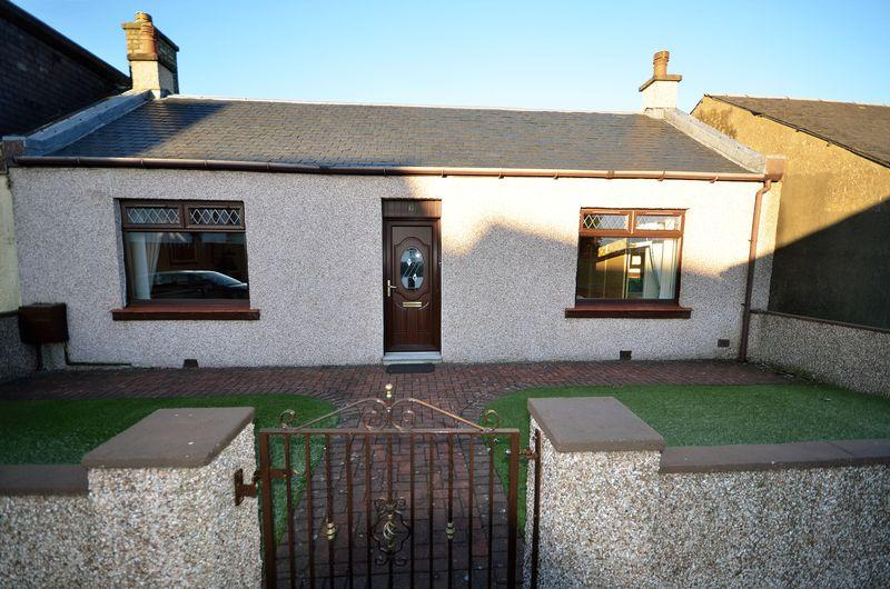 2 Bedrooms Semi Detached Bungalow for sale in 17 Cessnock Road,Hurlford,KA1 5DD