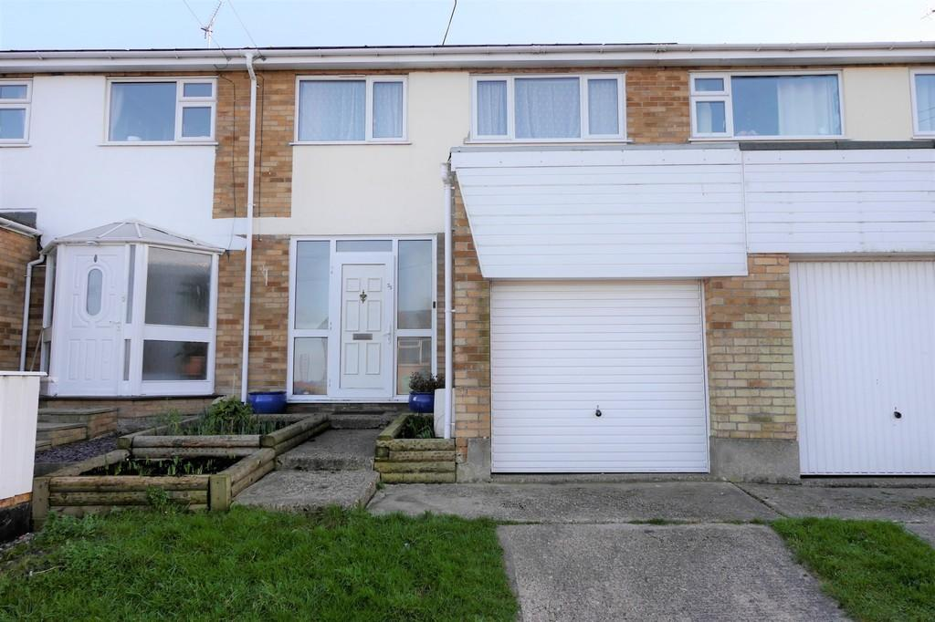 3 Bedrooms Terraced House for sale in Dockfield Avenue, Dovercourt, Harwich