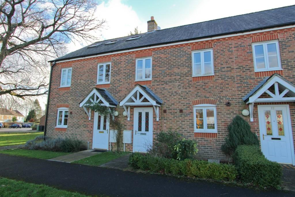 2 Bedrooms Terraced House for sale in Ray Close, Petersfield, Hampshire