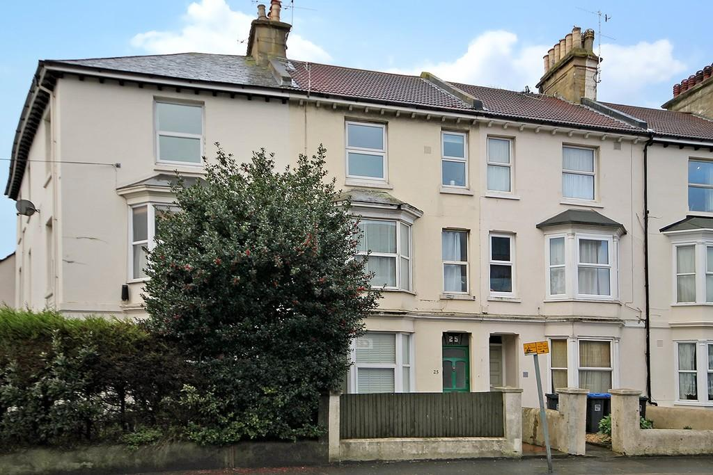 1 Bedroom Flat for sale in Teville Road, Worthing BN11 1UF